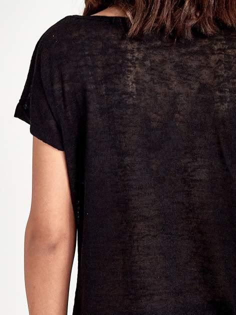 Czarny t-shirt z kryształkami na rękawach                                  zdj.                                  6