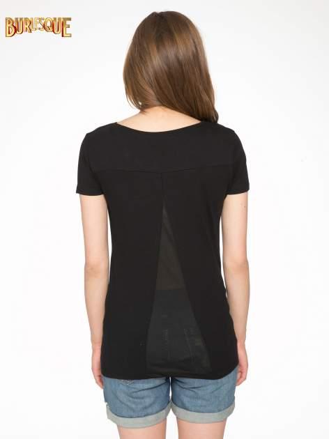 Czarny t-shirt z kwiatowym nadrukiem zdobionym dżetami                                  zdj.                                  4
