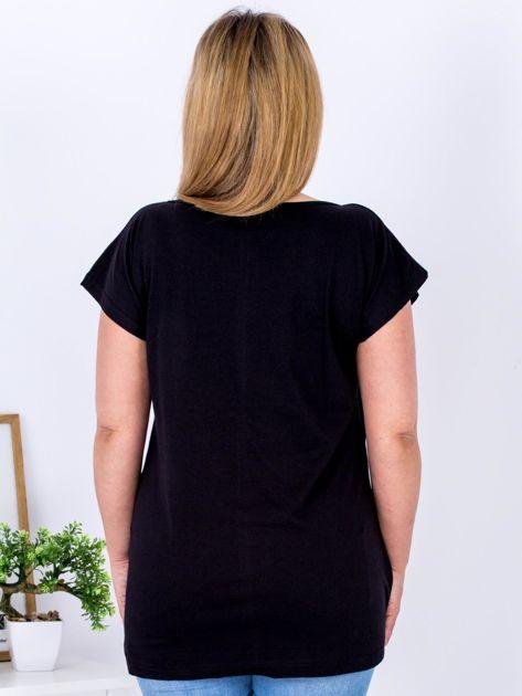 Czarny t-shirt z kwiatowym printem PLUS SIZE                                  zdj.                                  2