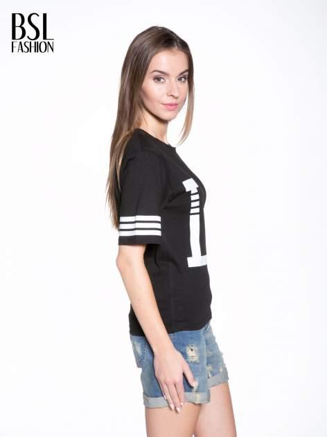 Czarny t-shirt z nadrukiem LA w baseballowym stylu                                  zdj.                                  3