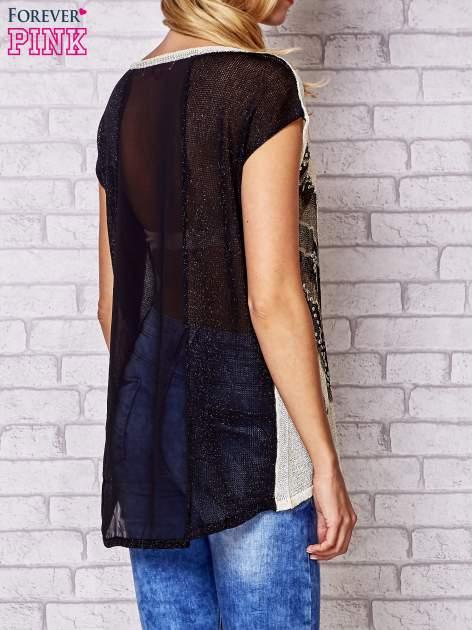 Czarny t-shirt z nadrukiem motyla                                  zdj.                                  4