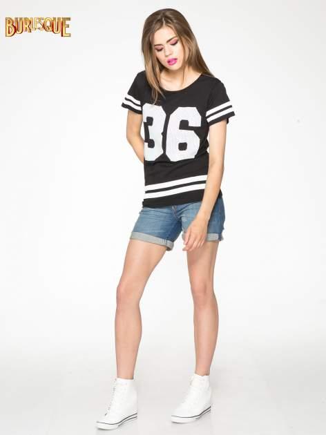Czarny t-shirt z nadrukiem numerycznym w stylu baseball                                  zdj.                                  2