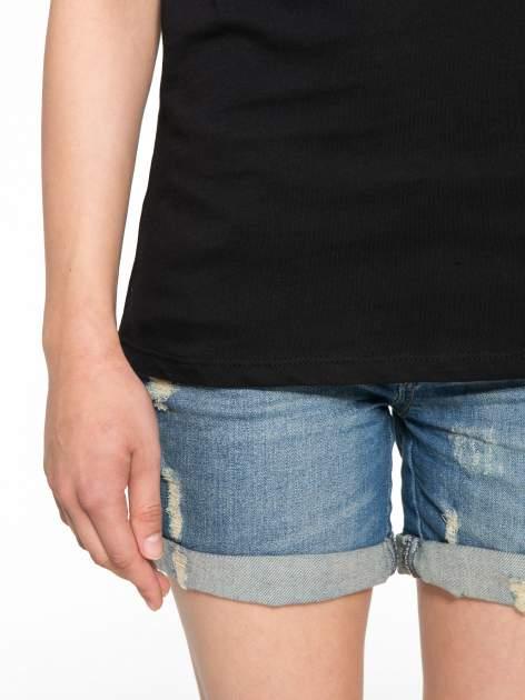 Czarny t-shirt z nadrukiem z cekinami                                  zdj.                                  6