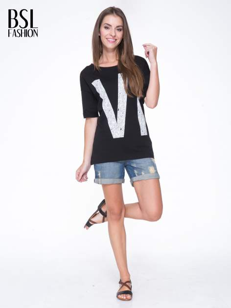 Czarny t-shirt z nadukiem WIBE z przodu i na plecach                                  zdj.                                  6