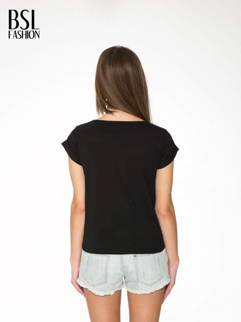 Czarny t-shirt z napisem CÉLINE ME ALONE                                  zdj.                                  4