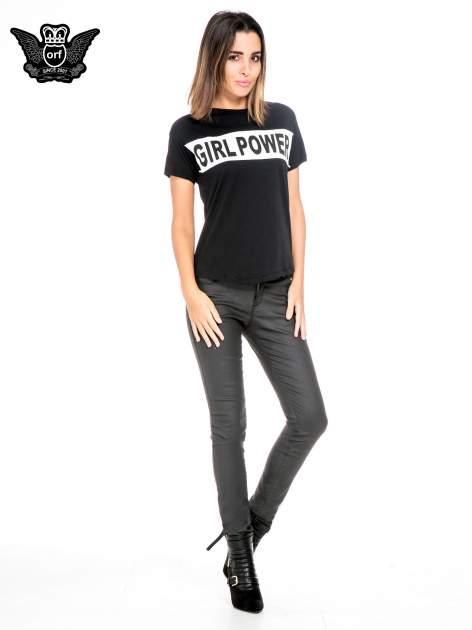 Czarny t-shirt z napisem GIRL POWER                                  zdj.                                  2