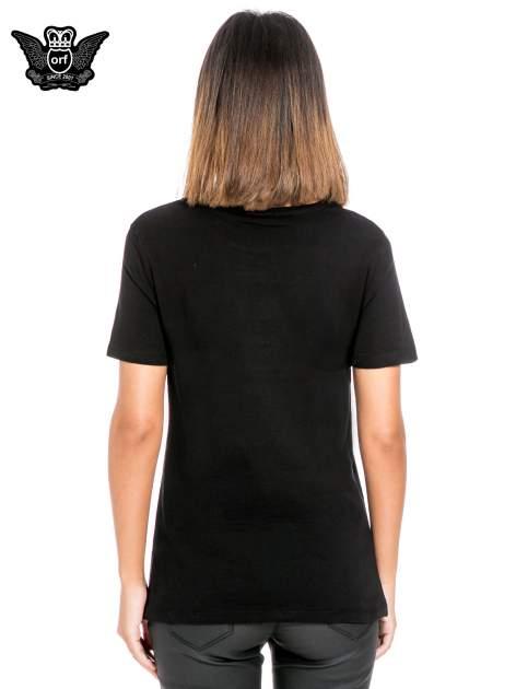 Czarny t-shirt z napisem I LOVE YOU BECAUSE                                  zdj.                                  4