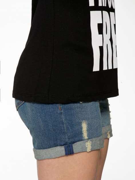 Czarny t-shirt z napisem SORRY I'M SUPER FRESH z dżetami                                  zdj.                                  9