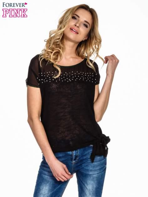 Czarny t-shirt z wiązaniem z boku