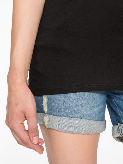 Czarny t-shirt ze złotym hasztagiem                                  zdj.                                  6