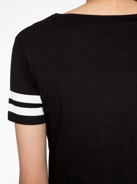 Czarny t-shirt ze złotym napisem LOVE                                  zdj.                                  10