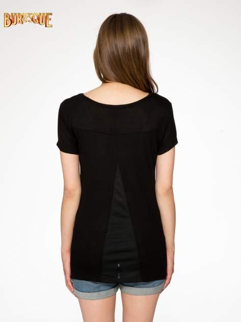 Czarny t-shirt ze złotym napisem NEW YORK HERE I COME AGAIN                                  zdj.                                  4