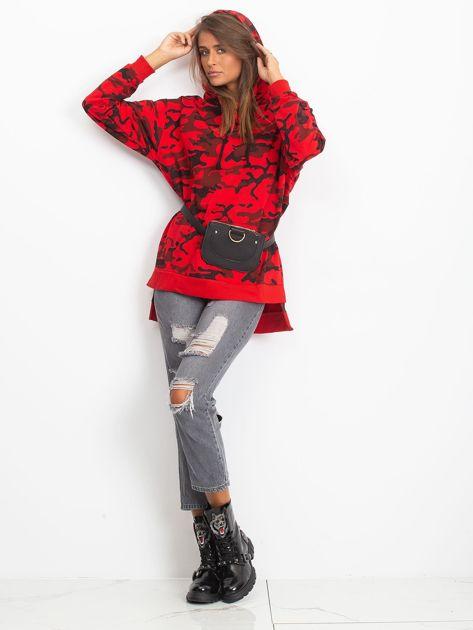 Czerwona asymetryczna bluza moro z kapturem                              zdj.                              5