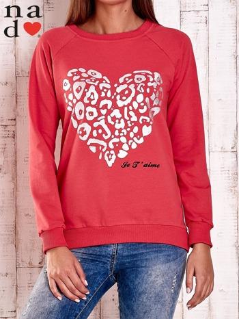 Czerwona bluza z nadrukiem serca i napisem JE T'AIME                                   zdj.                                  1