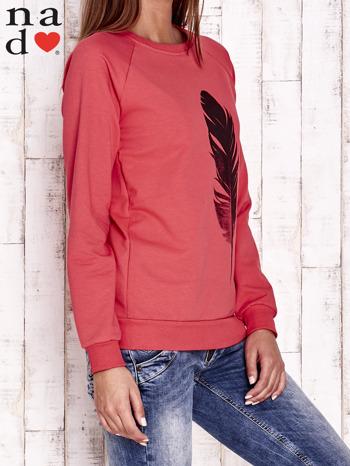 Czerwona bluza z piórkiem                                  zdj.                                  3