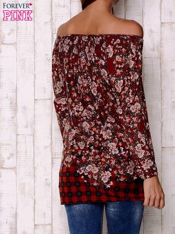 Czerwona bluzka z kwiatowym nadrukiem                                  zdj.                                  4