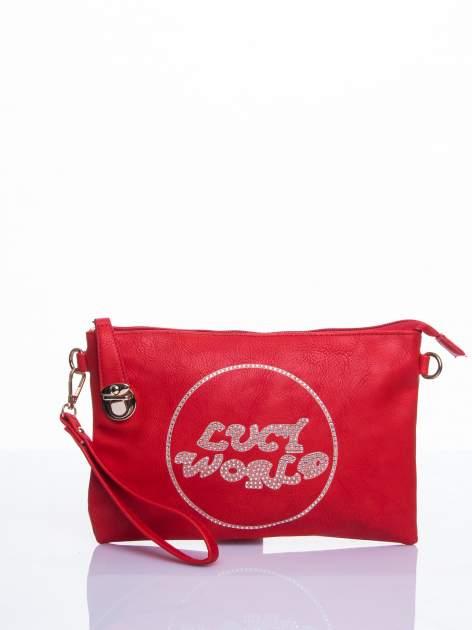 Czerwona kopertówka z dżetami napis LUCY WORLD