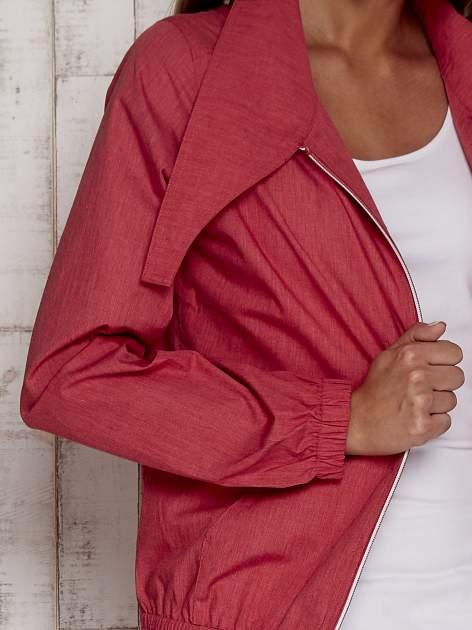 Czerwona kurtka ze stójką i ściągaczem na dole                                  zdj.                                  7