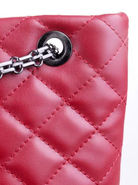 Czerwona pikowana torebka na łańcuszku                                  zdj.                                  6