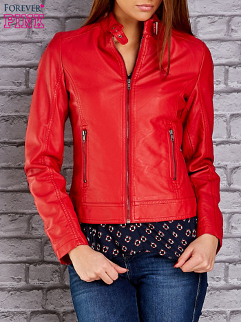 Czerwona skórzana kurtka o klasycznym kroju                                  zdj.                                  1