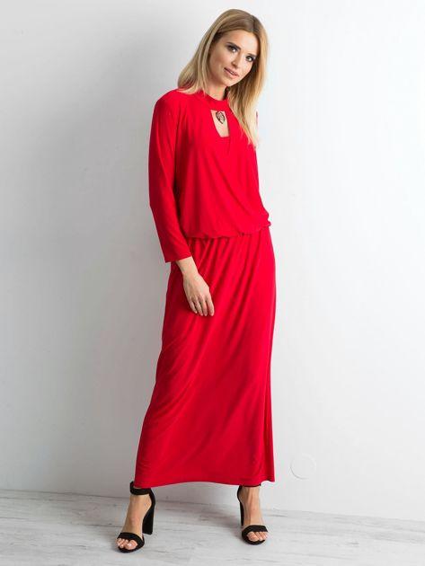 Czerwona sukienka maxi z wycięciem                              zdj.                              4