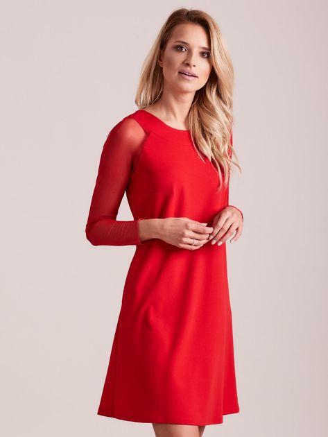 Czerwona sukienka o luźnym kroju                              zdj.                              3