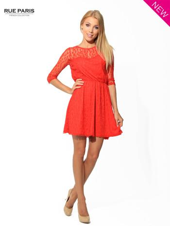 Czerwona sukienka pokryta panterkową siateczką                                  zdj.                                  3