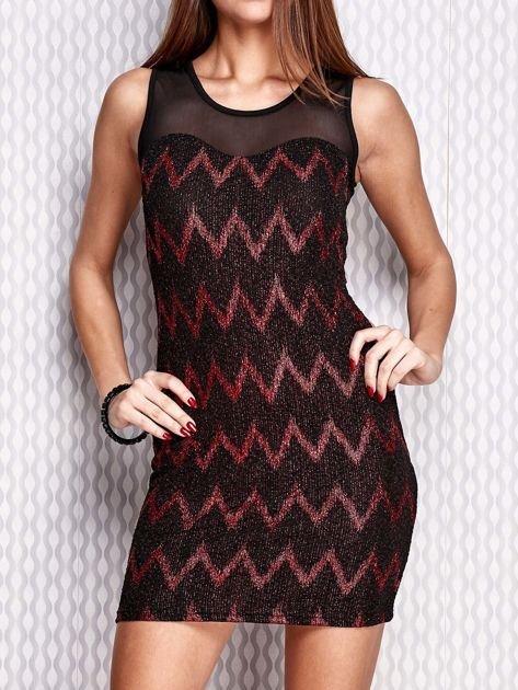Czerwona sukienka w geometryczne wzory                                  zdj.                                  1