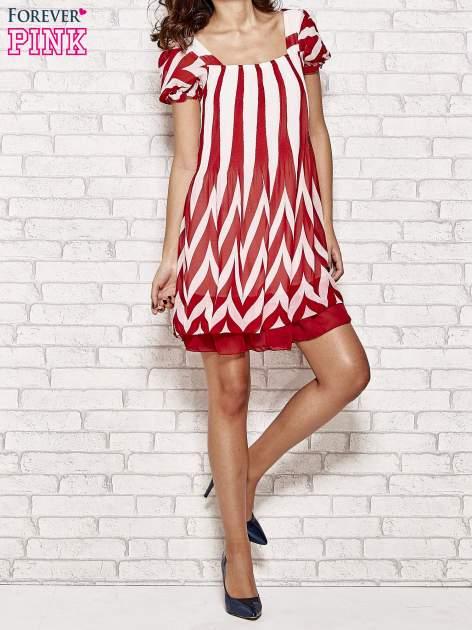 Czerwona sukienka w paski z bufiastymi rękawkami                                  zdj.                                  2