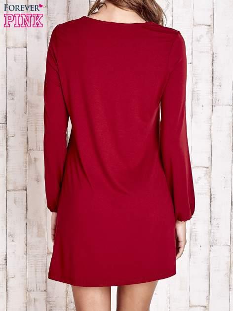 Czerwona sukienka z wiązanym dekoltem                                  zdj.                                  5