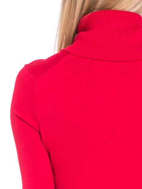 Czerwona swetrowa sukienka z golfem                                  zdj.                                  7