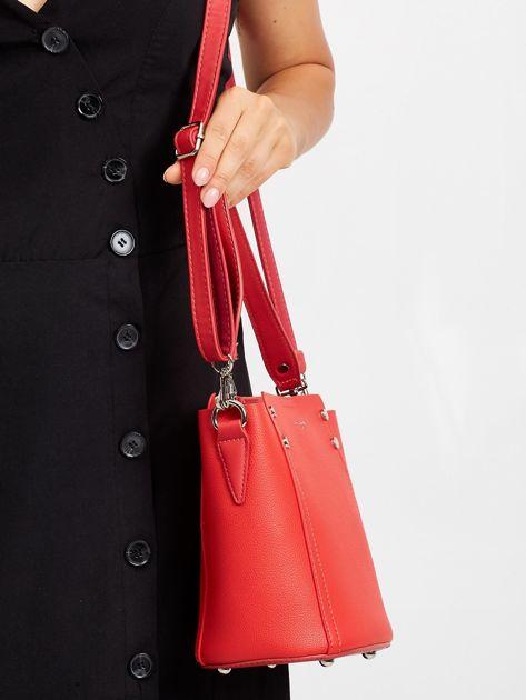 Czerwona torba z odpinanym uchwytem                              zdj.                              2