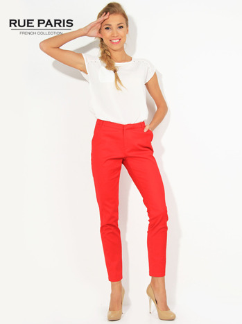 Czerwone spodnie cygaretki z kieszeniami
