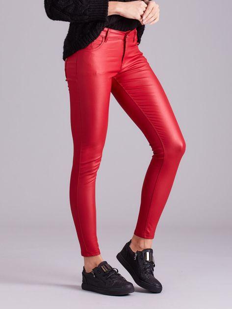 Czerwone woskowane spodnie                               zdj.                              3