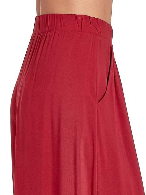 Czerwone zwiewne spodnie typu culottes                                  zdj.                                  5