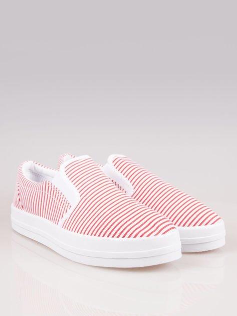 Czerwono-białe buty slip on w paski na grubej podeszwie                              zdj.                              2