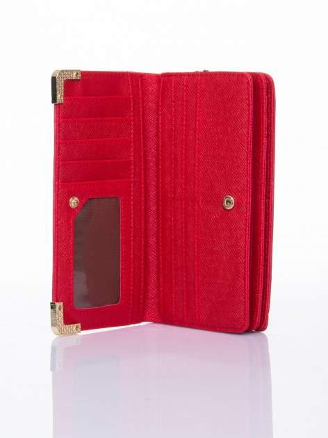 Czerwony ażurowany portfel ze złotymi okuciami                                  zdj.                                  4