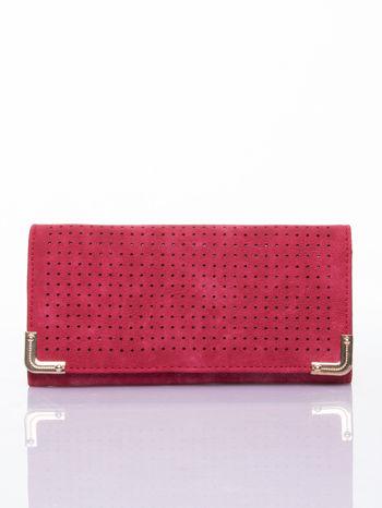 Czerwony dziurkowany portfel ze złotym wykończeniem