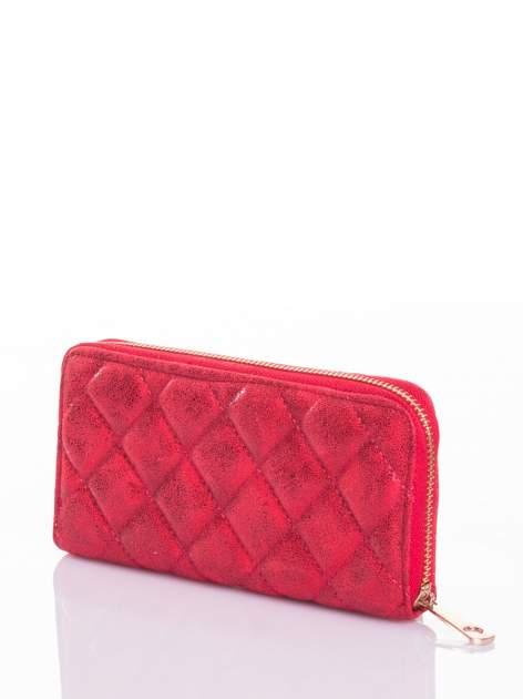Czerwony pikowany portfel                                  zdj.                                  2