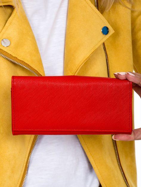 Czerwony podłużny portfel damski