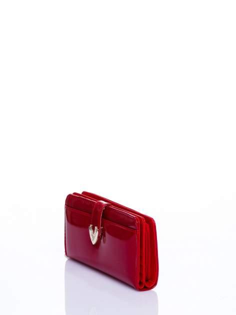 Czerwony porfel z dżetami efekt skóry saffiano                                  zdj.                                  2