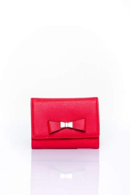Czerwony portfel z kokardką