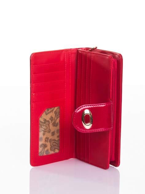 Czerwony portfel ze złotym zapięciem efekt skóry saffiano                                  zdj.                                  4
