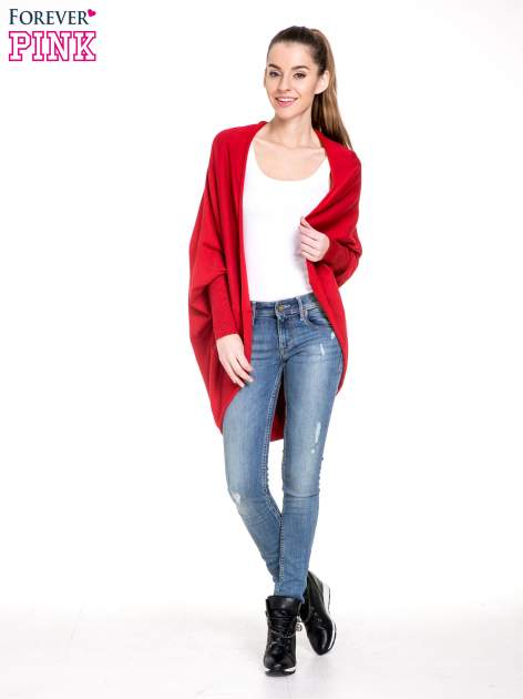 Czerwony sweter narzutka z nietoperzowymi rękawami                                  zdj.                                  2