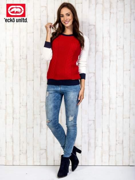 Czerwony sweter o szerokim splocie                                  zdj.                                  2