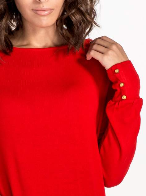 Czerwony sweter z kokardą na plecach                                  zdj.                                  4