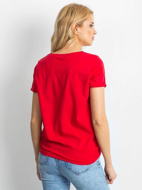 Czerwony t-shirt Transformative                              zdj.                              2