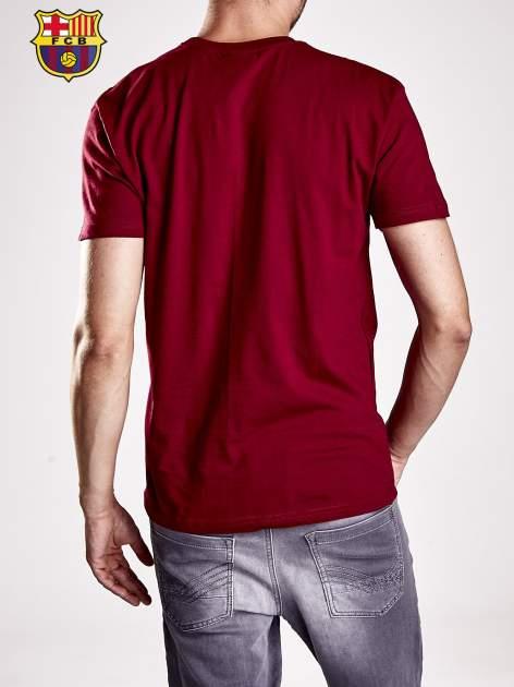 Czerwony t-shirt męski z nadrukiem FC BARCELONA                                  zdj.                                  2