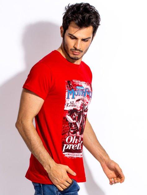 Czerwony t-shirt męski z nadrukiem motocykla                              zdj.                              5