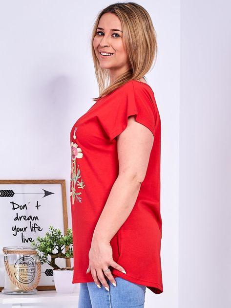 Czerwony t-shirt z kwiatowym printem PLUS SIZE                              zdj.                              5